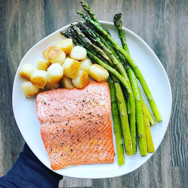 Best. Lunch. Ever. Simple baked salmon, asparagus, and @traderjoes cauliflower gnocchi. Nutritious and easy and soooo yummy. Checking out of any sense of responsibility for the night and gonna pain my toes and watch Vanderpump Rules 🙃