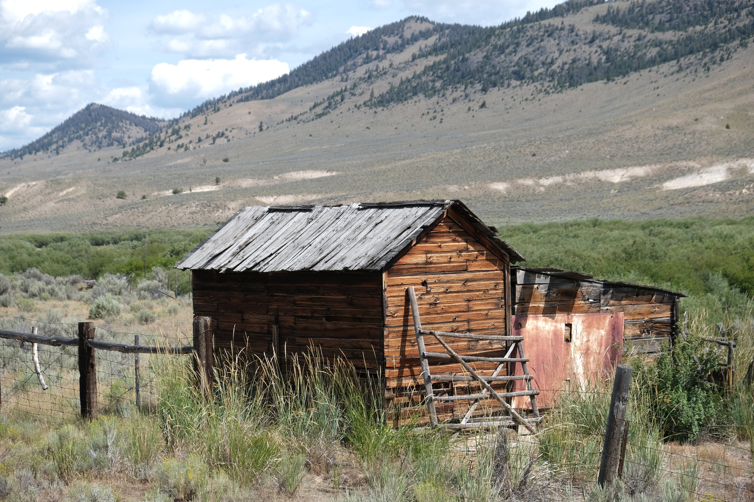 this photograph is a photograph of a hut