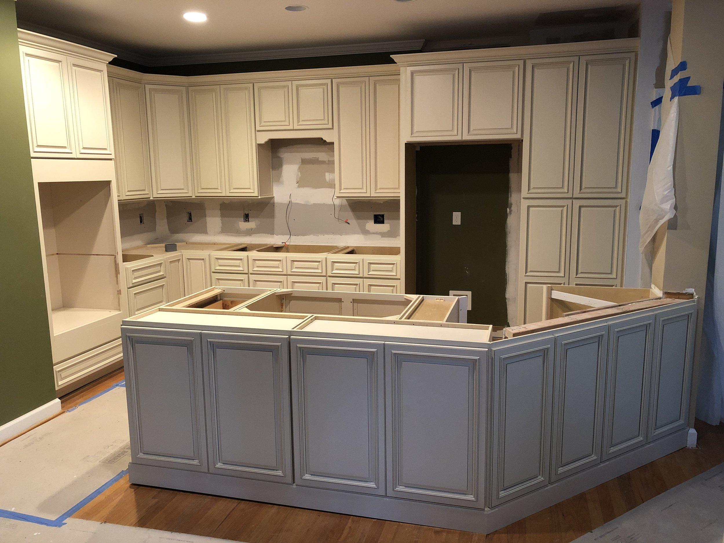 Country Linen Raleigh Premium Cabinets