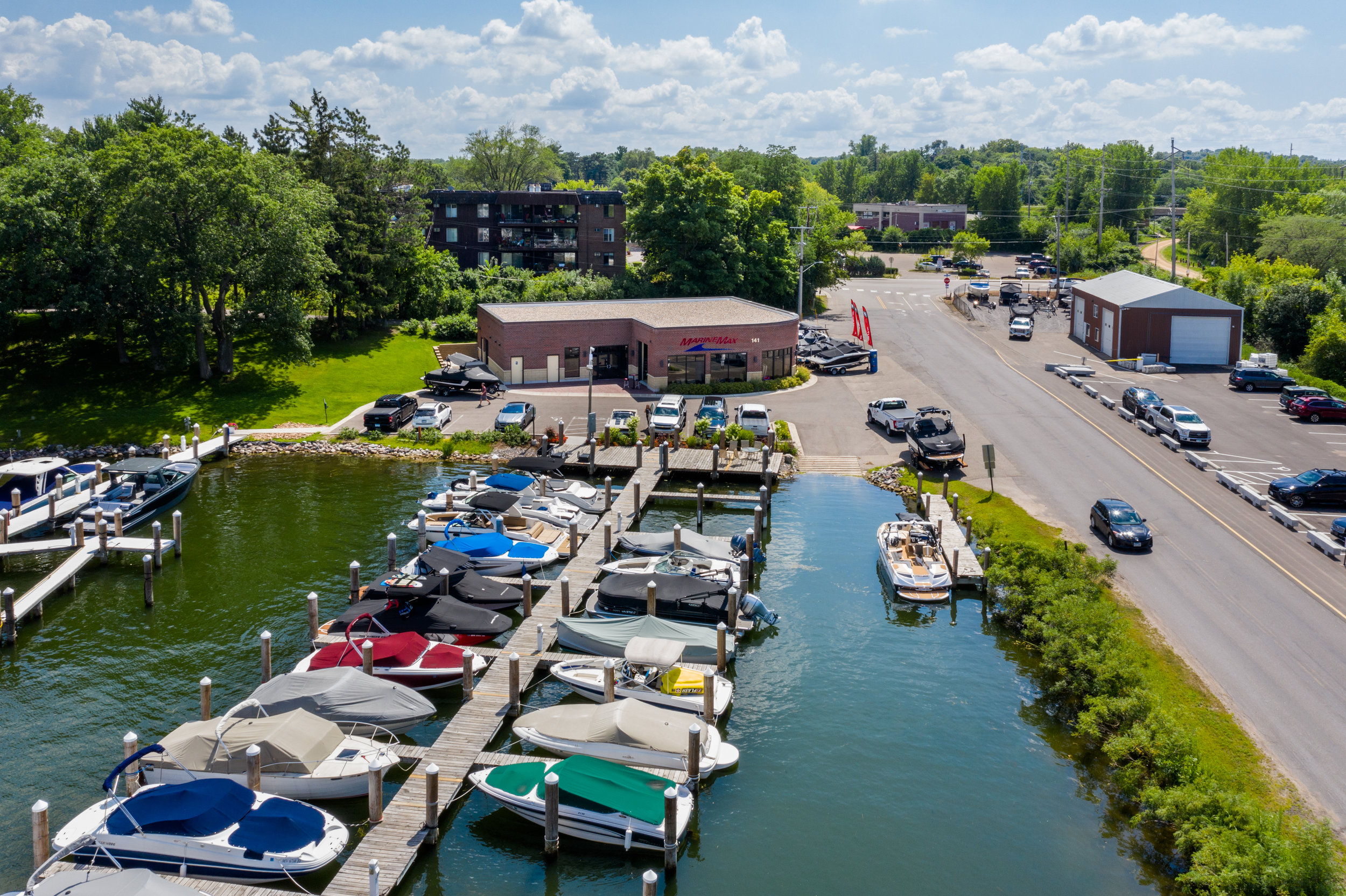 - Walking distance from Excelsior's many restaurants, and just minutes away from Big Island and Wayzata by boat.