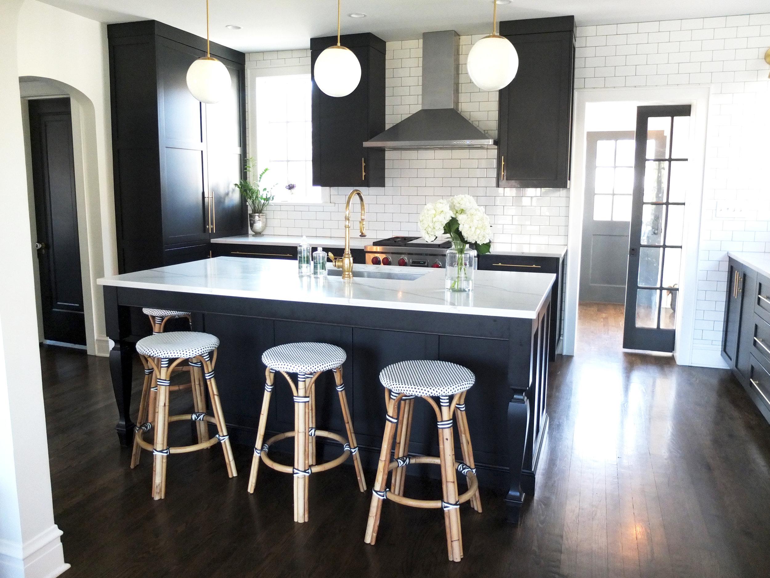 Kitchen_Full_View_DSCF0837.jpg