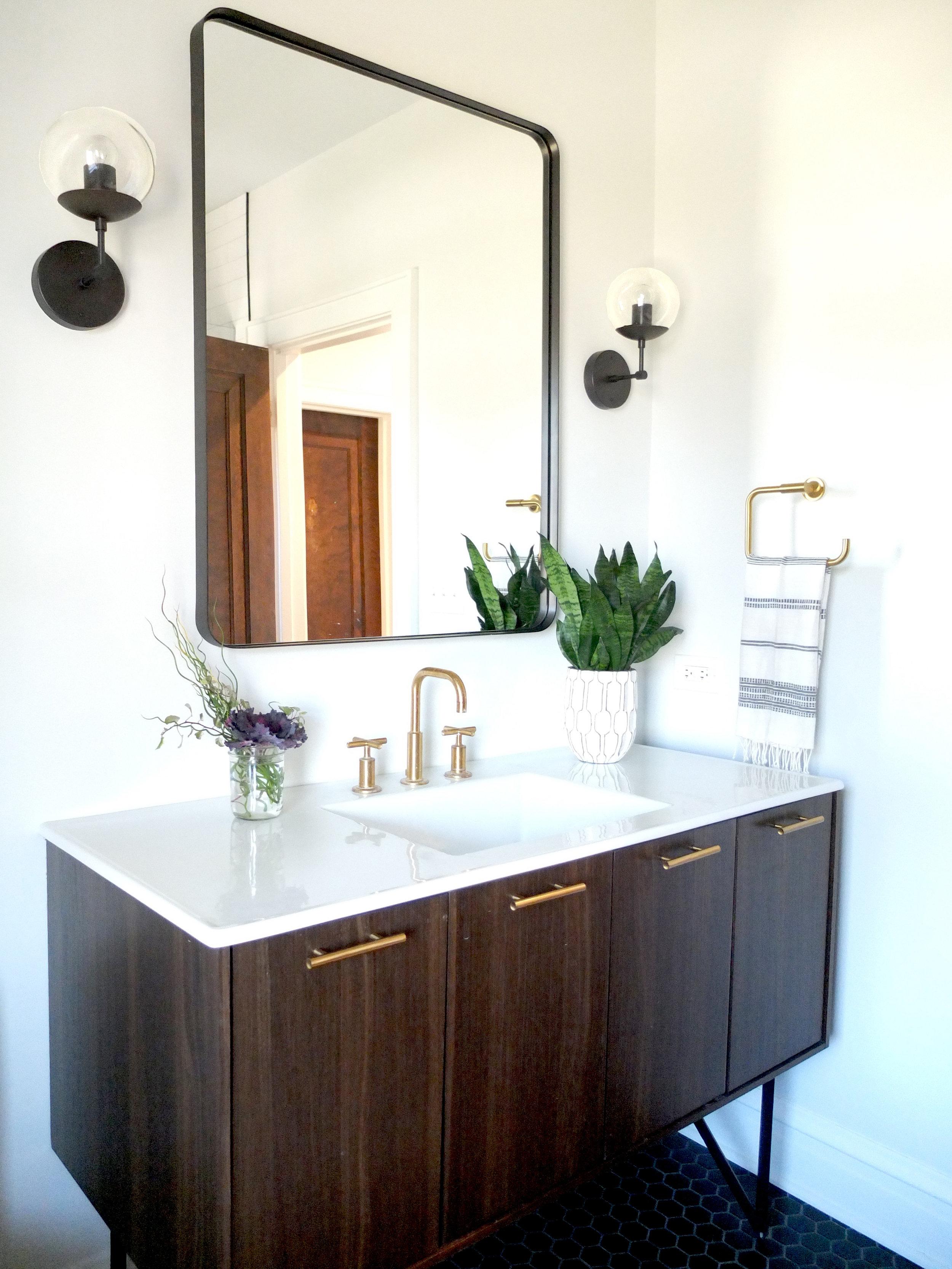 Bathroom_Vanity_DSCF0900.jpg