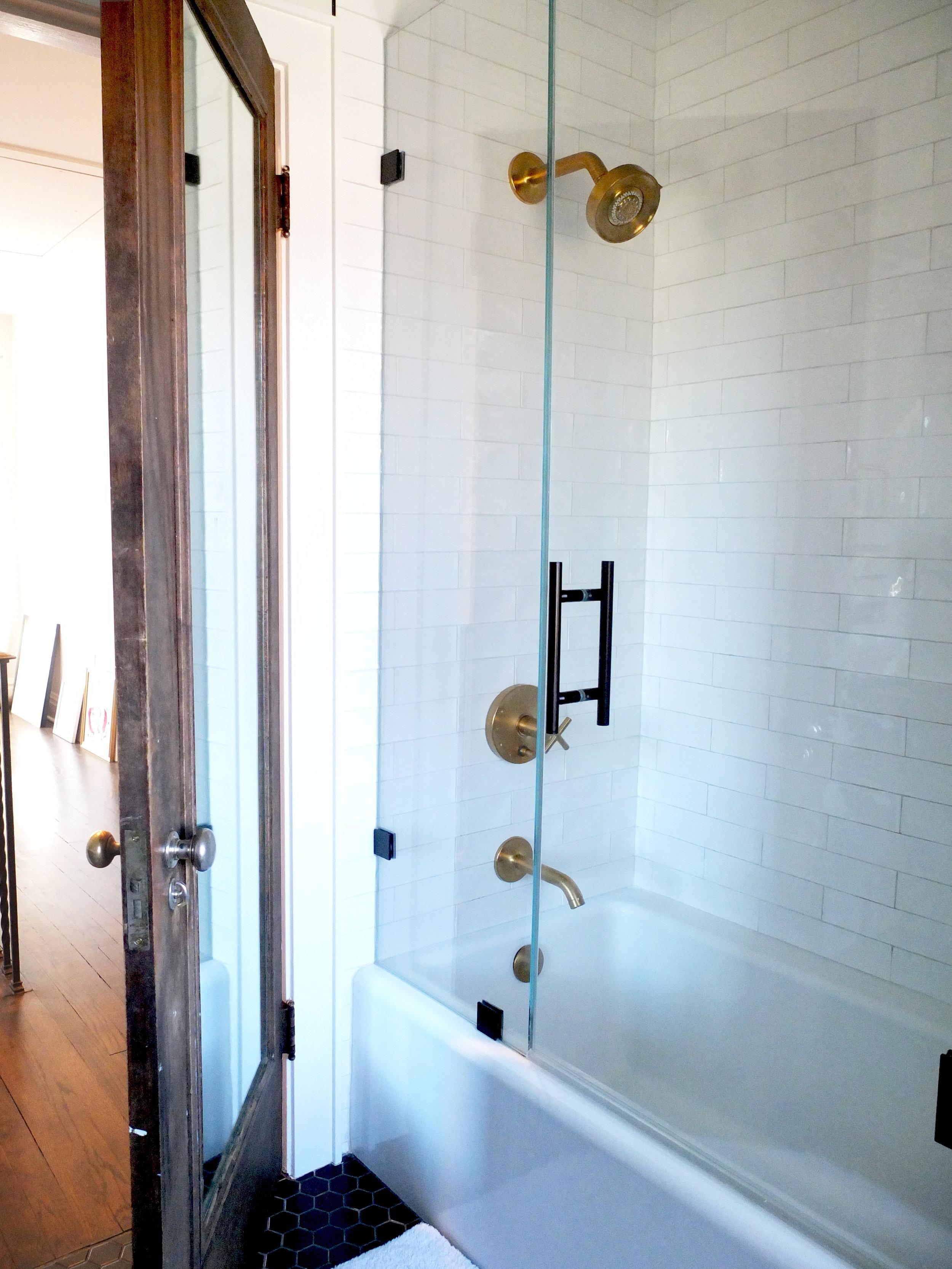 Shower_DSCF0902.jpg