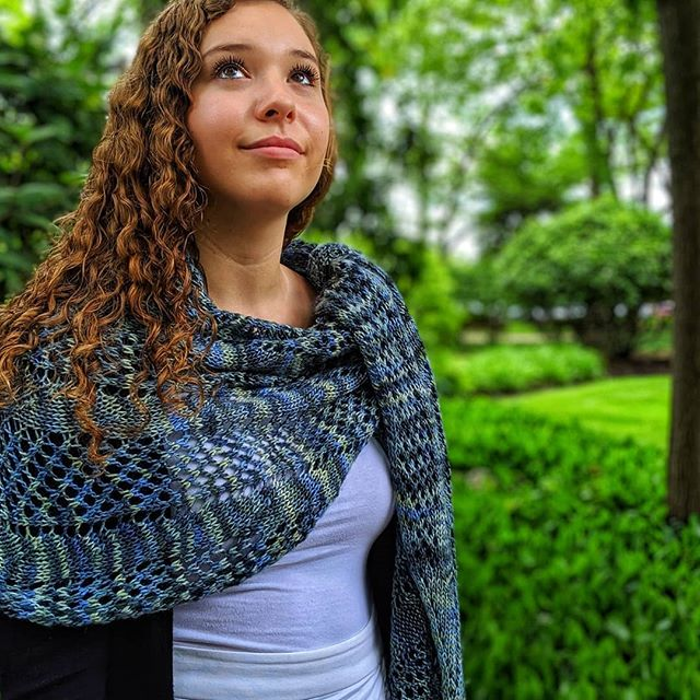 I have so many beautiful pictures of Duneside! Remember you can get 35% off all my self-published patterns, including Duneside, until the end of May with code 'Duneside' on Ravelry.  Yarn: @malabrigoyarn #silkymerino 'Chuy'  Model: @hollyyusiewicz_  #malabrigoquickie #amamarieknits #dunesideshawl #summershawl