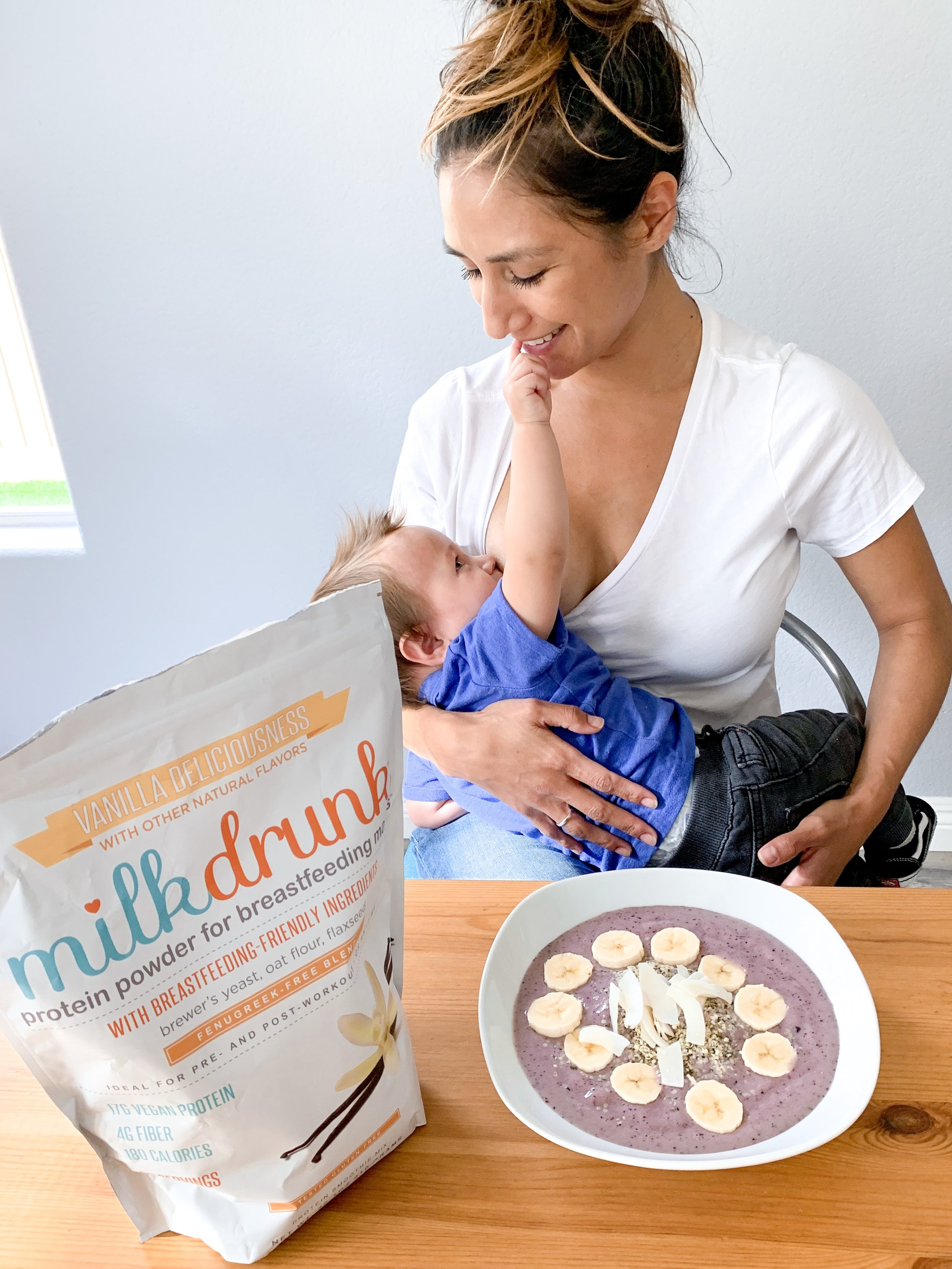 Recipe for a berry veggie smoothie bowl made with a protein powder made for lactating mothers