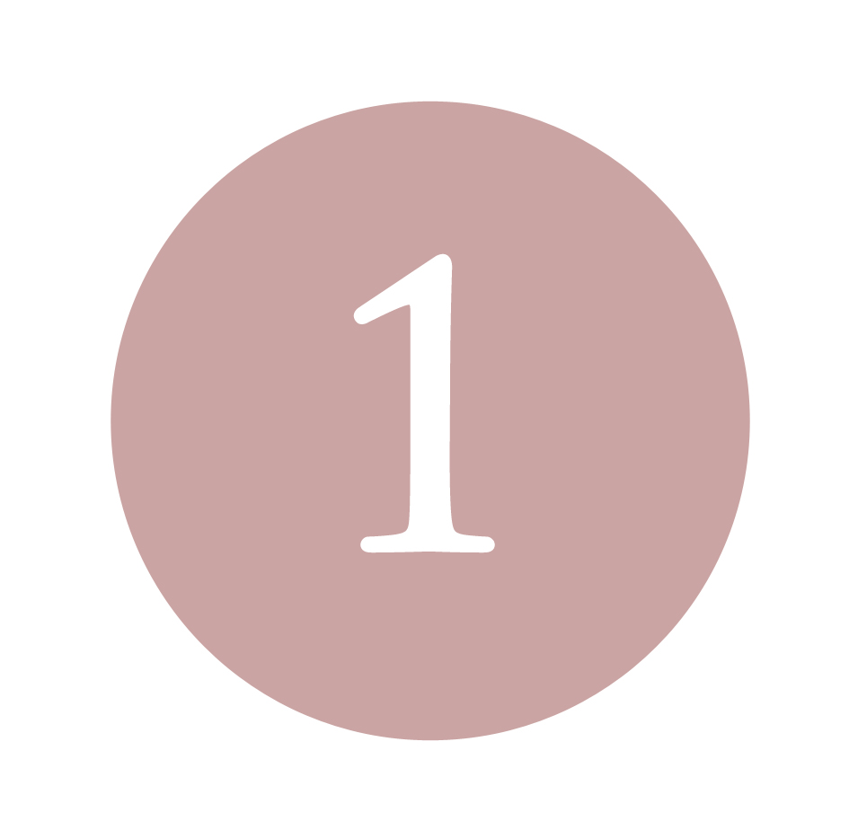 Detergere il viso con la Mousse Detergente Delicata - La sua formula non aggressiva deterge efficacemente il viso rimuovendo tutti i residui di sporco presenti sulla pelle rispettando il Naturale film lipidico. Consigliamo di bagnare il viso con acqua tiepida, applicare la Mousse Detergente Delicata e quindi sciacquare accuratamente.