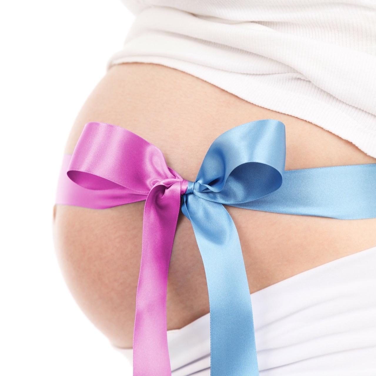Post gravidanza - Eliminare il grasso addominale dopo una gravidanza richiede un po' più tempo.La presenza di un bambino all'interno del corpo femminile per tanti mesi ne modifica il metabolismo e la tendenza ad accumulare grasso sulla pancia sarà più forte. All'inizio la mamma deve godersi appieno questo momento importante per sé e per il neonato. A tempo debito si riprenderà con una dieta mirata e attività fisica per riconquistare in un tempo ragionevole la forma fisica pre-gravidanza.Il consiglio è continuare con l'utilizzo dell'Olio di Mandorle il cui utilizzo è già stato consigliato per tutto il periodo della gravidanza. A questo si consiglia di aggiungere anche una Crema Corpo Elasticizzante.