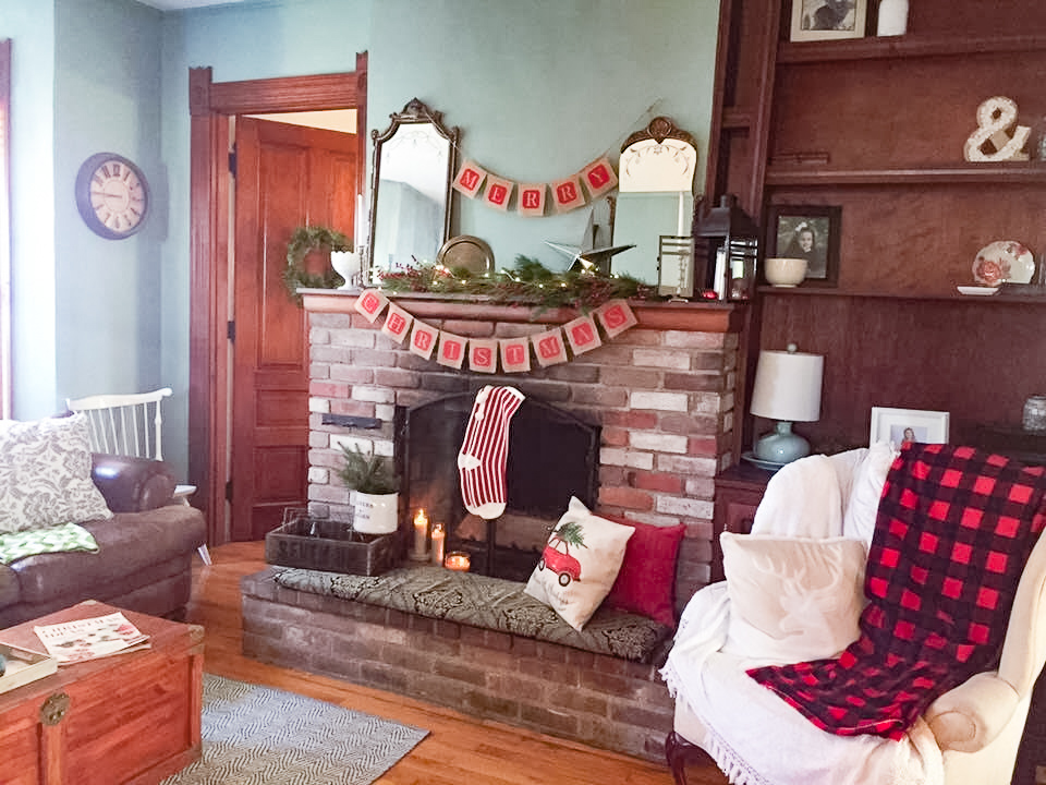 Christmas Fireplace 2.jpg