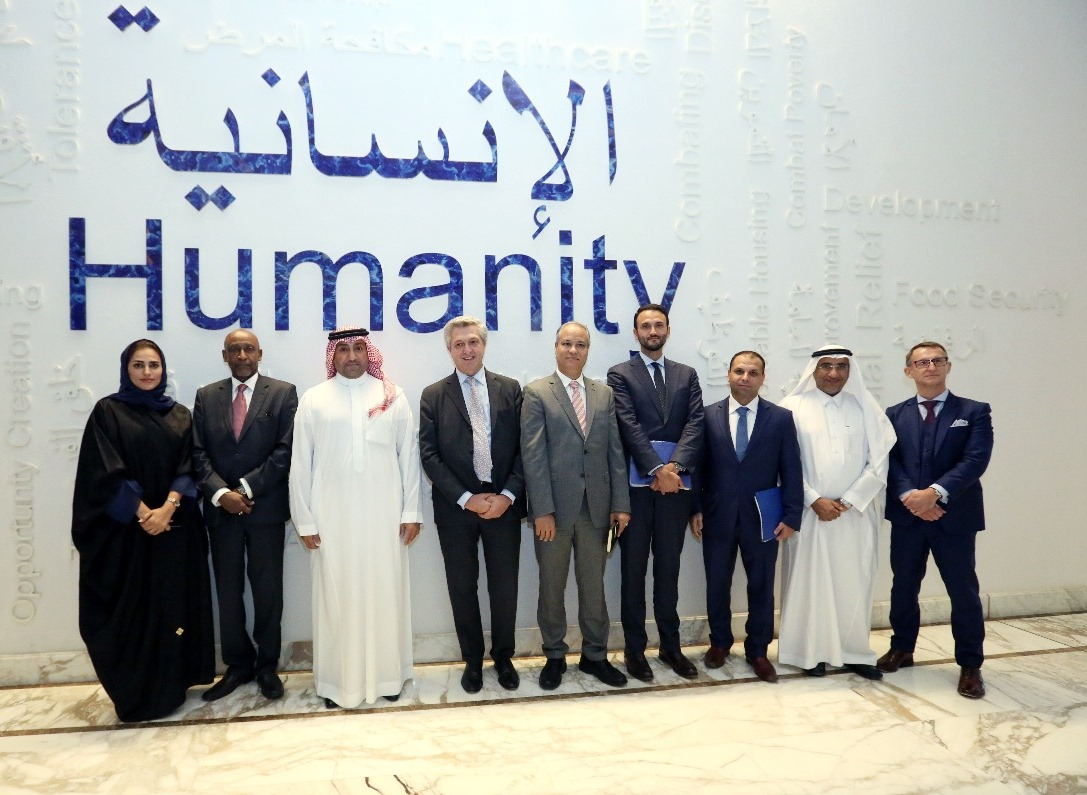 HRH Prince Turki bin Abdullah bin Abdulaziz, Executive Chairman of the Custodian of the Two Holy Mosques King Abdullah bin Abdul Aziz Al Saud, received at the headquarters of the Foundation in Riyadh, Felipe Grande, the UN High Commissioner for Refugees.