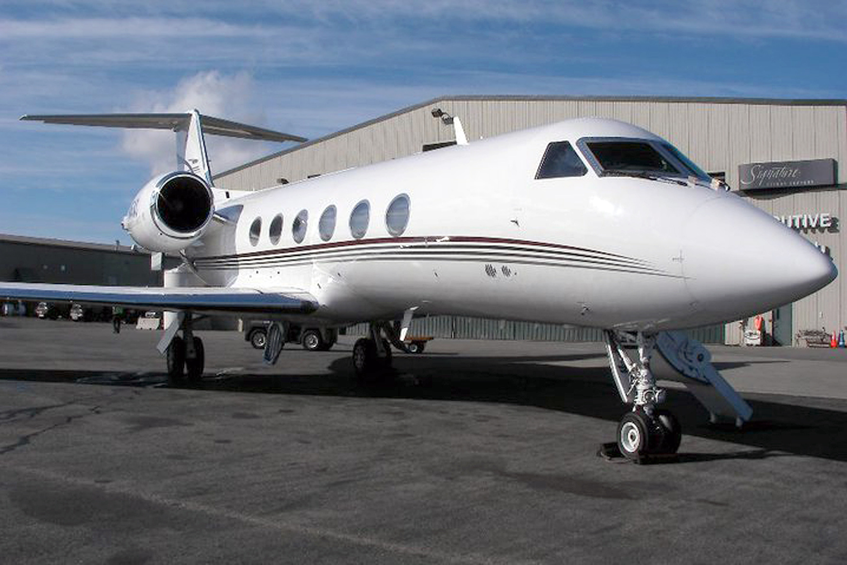 Charter - Find out more about the Charter options available through SONAS Aviation