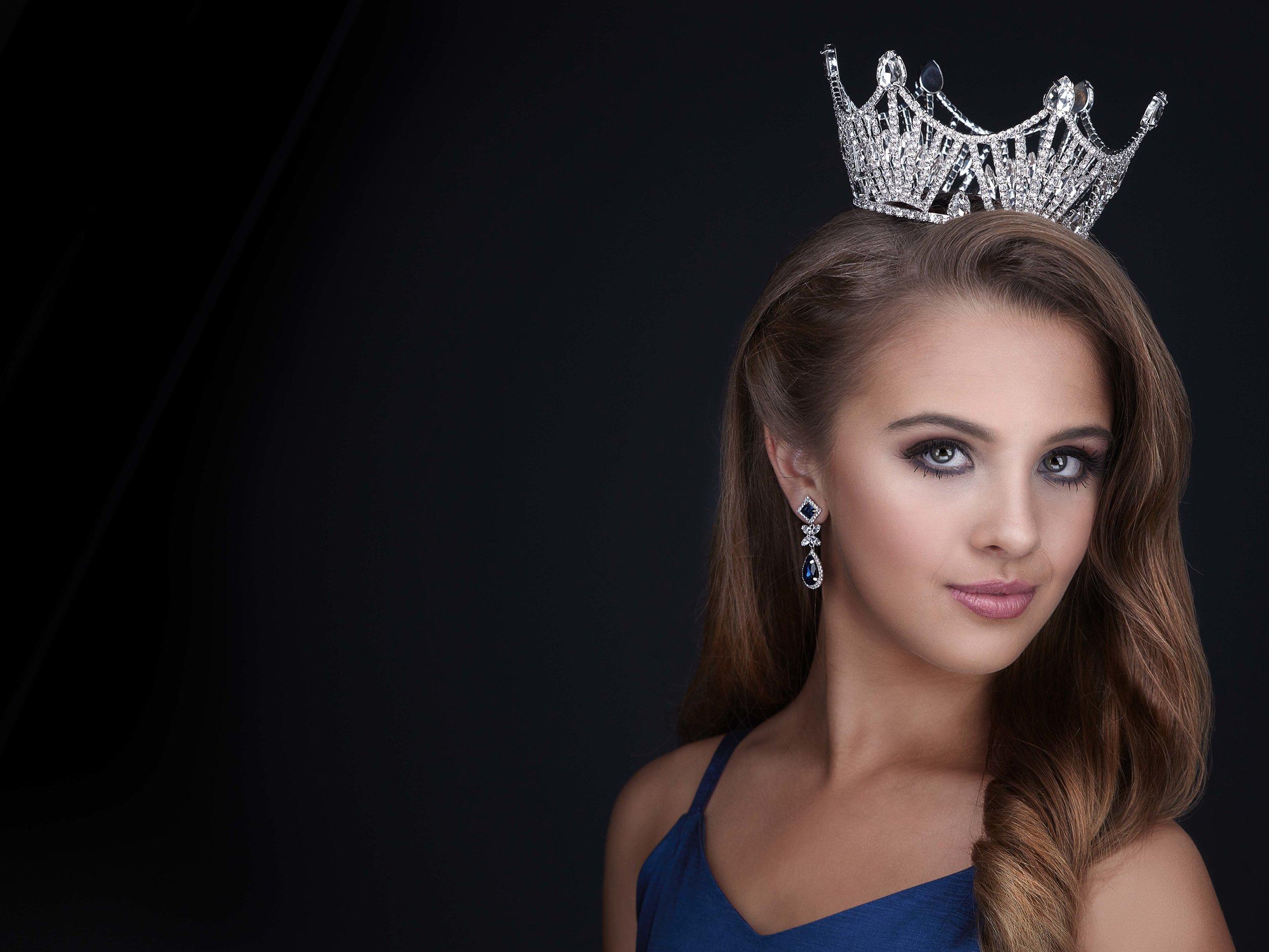 Pageant_crown_headshot_addie_rose_jodie_kelly_photography_central_arkansas.jpg