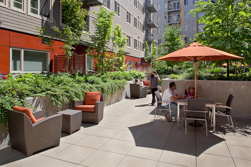 Matisse_JoshPartee_5666_courtyard.jpg