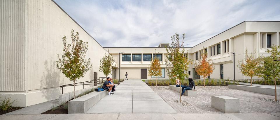 Zabel-JoshPartee-1860-courtyard-west-wide.jpg
