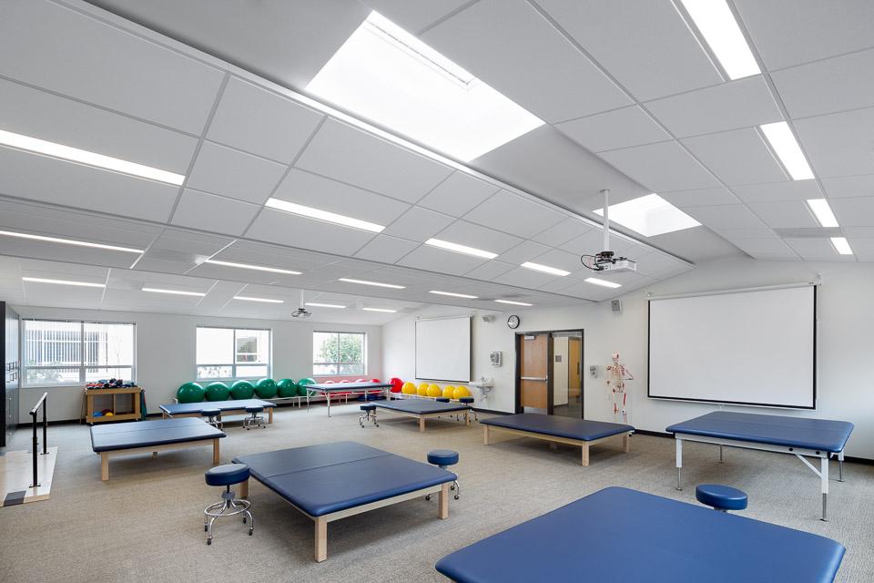 George Fox University - Villa Academic Complex / Hennebery Eddy Architects