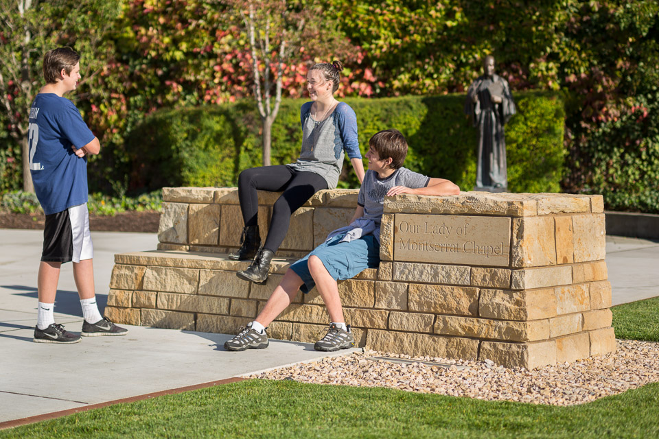SeattlePrep-JoshPartee-8331-ext-stone-bench-kids.jpg