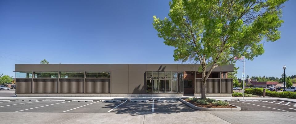TVFR Station / Hennebery Eddy Architects