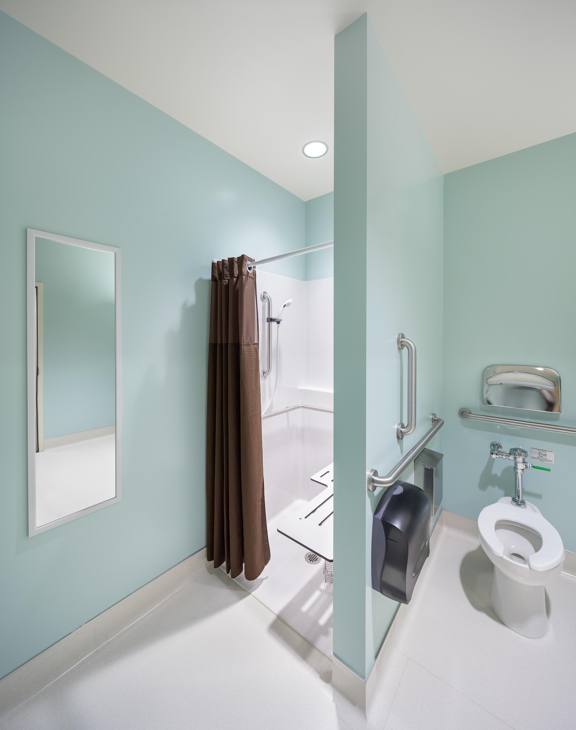 07-KaiserPerm-JoshPartee-7733-ada-restroom.jpg