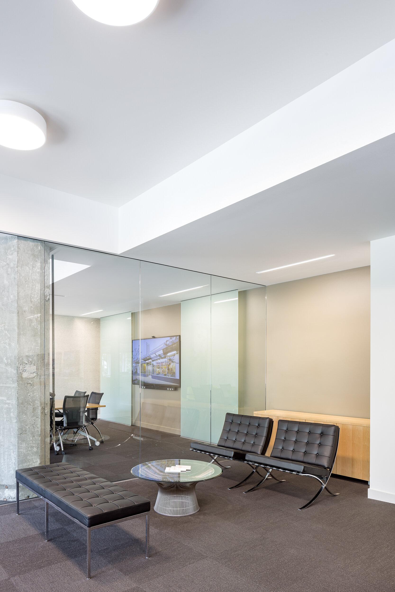 21-HEA-Office-JoshPartee-1343-entry-stg-grp.jpg