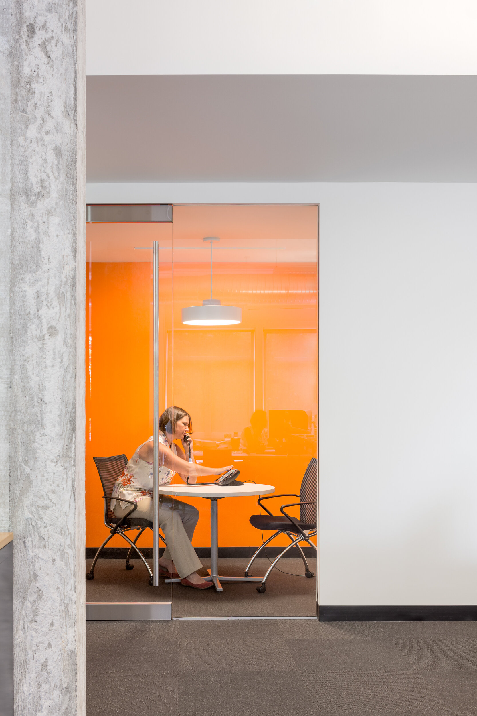 22-HEA-Office-JoshPartee-1407-phone-rm-michelle.jpg