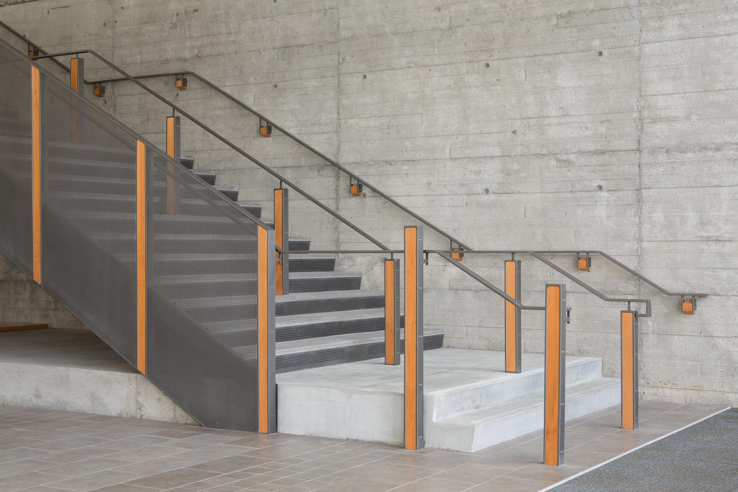 54-SandyHS-JoshPartee-4377-stair-dtl.jpg
