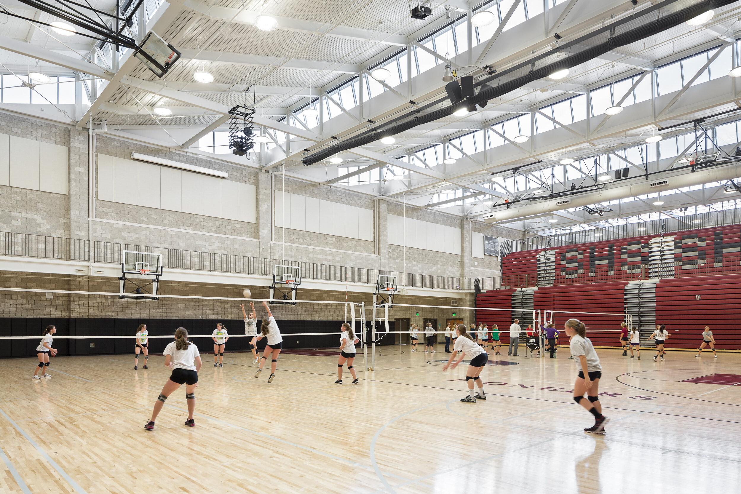 57-SandyHS-JoshPartee-3712-gym-volleyball.jpg