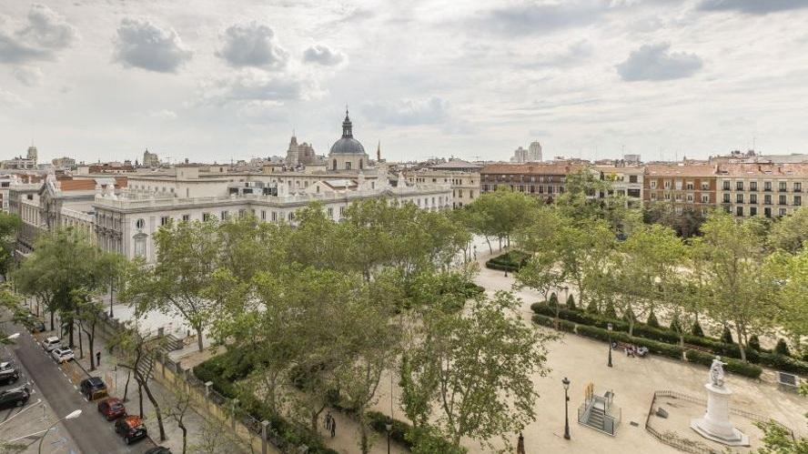 Justicia / Almagro - Classy | Parisian-like | Design