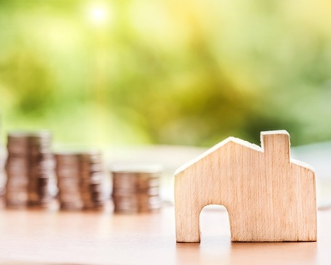 REAL ESTATE INVESTMENTS - The investment threshold for real estate is €500,000 or more, per investor. The investment can be comprised of one or several properties, with which it can be of a residential, touristic, rural, commercial or industrial nature.