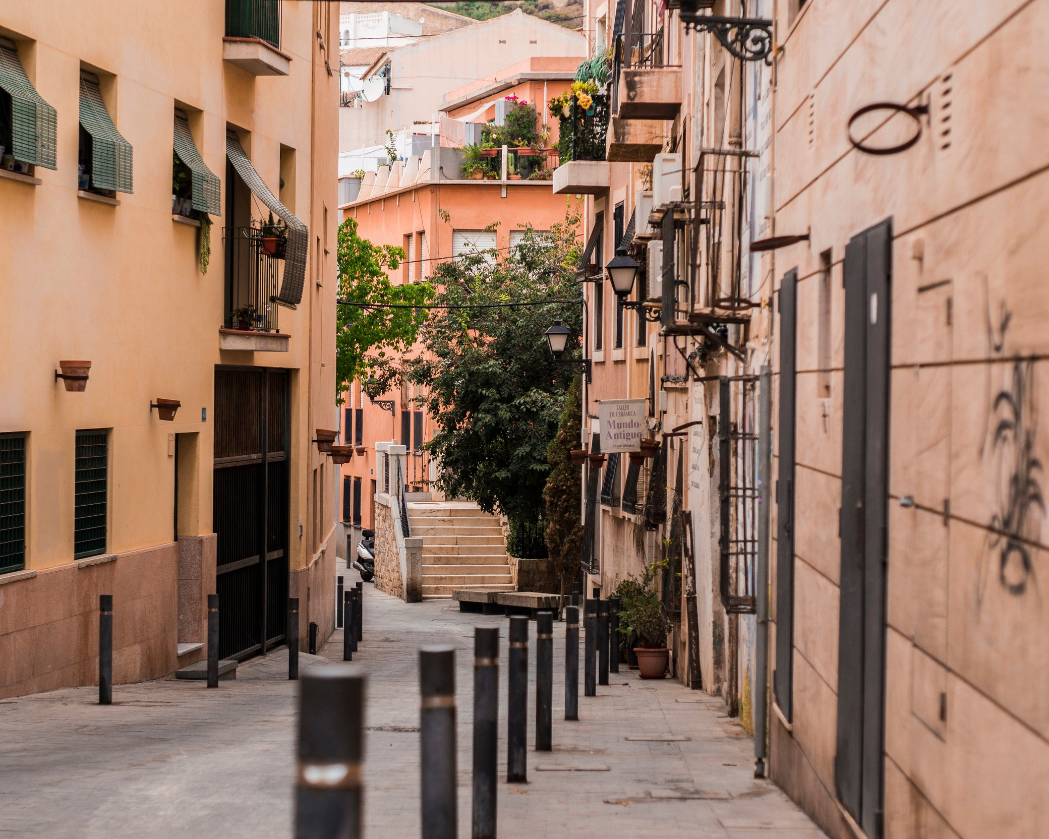 NO.1 - ALICANTE - The three best neighbourhoods:• Barrio de Santa Cruz• Barrio de Carolinas Altes• Barrio de Garbinet