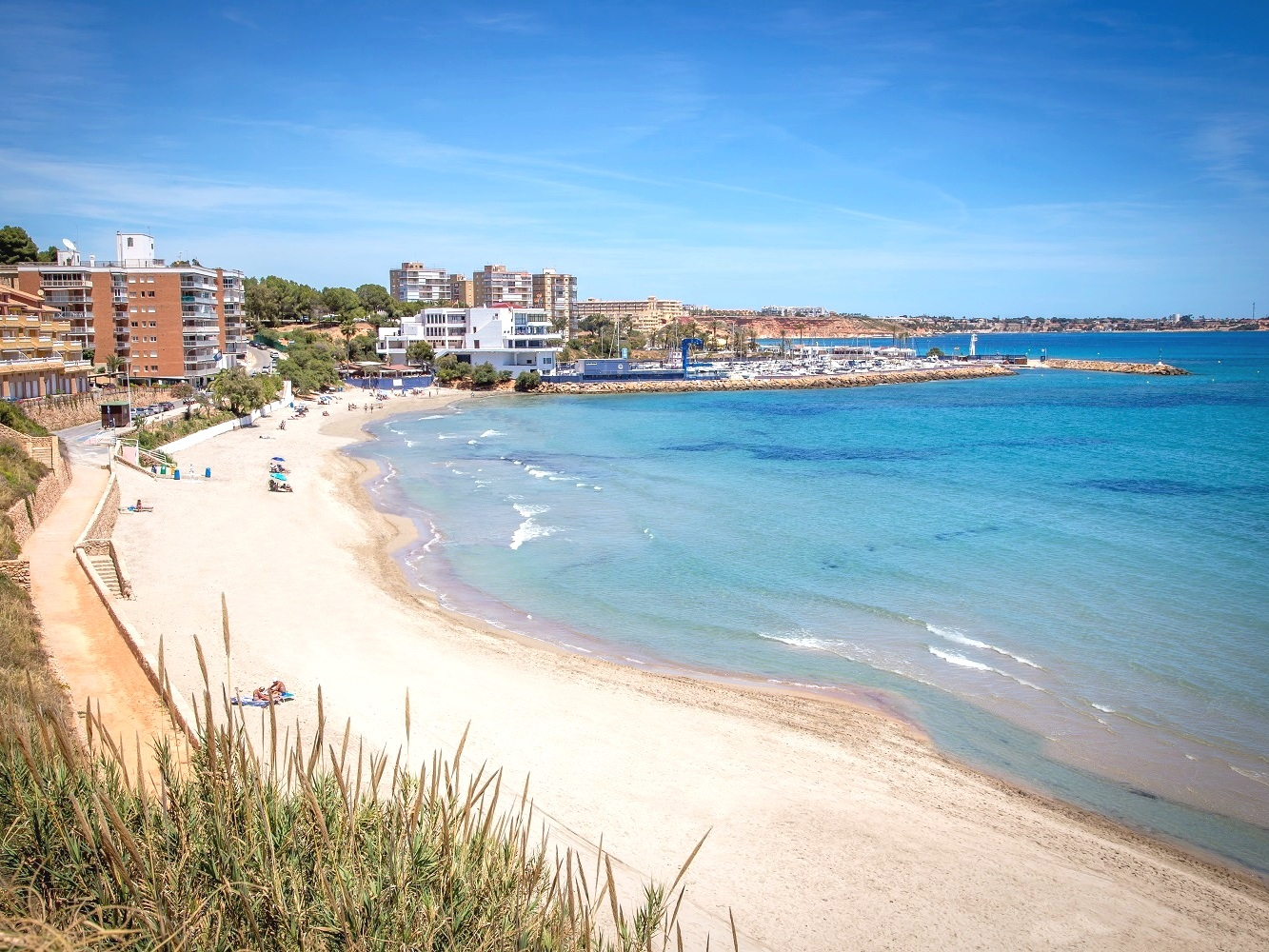 Orihuela Barranco y Rubio - Including a lifeguard tower and easy access parking spots, this beach has fine sand and a few great restaurants & bars nearby.