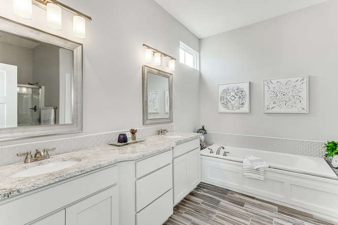 6310 Driftwood Wichita KS-small-021-17-Master Bath-666x444-72dpi.jpg