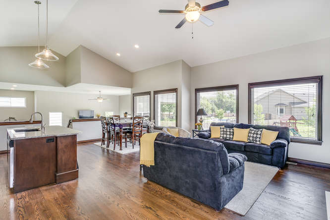 4312 N Ridge Port St Wichita-small-005-30-Living Room-666x445-72dpi.jpg