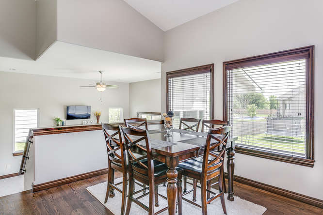 4312 N Ridge Port St Wichita-small-008-26-Dining Room-666x445-72dpi.jpg