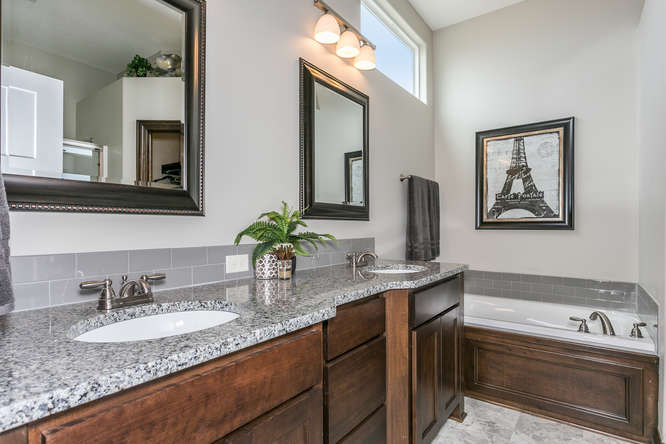 4312 N Ridge Port St Wichita-small-015-25-Master Bath-666x445-72dpi.jpg