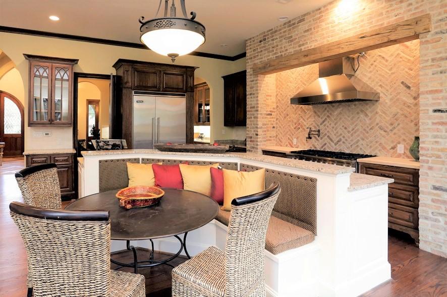 5223 maple kitchen.jpg