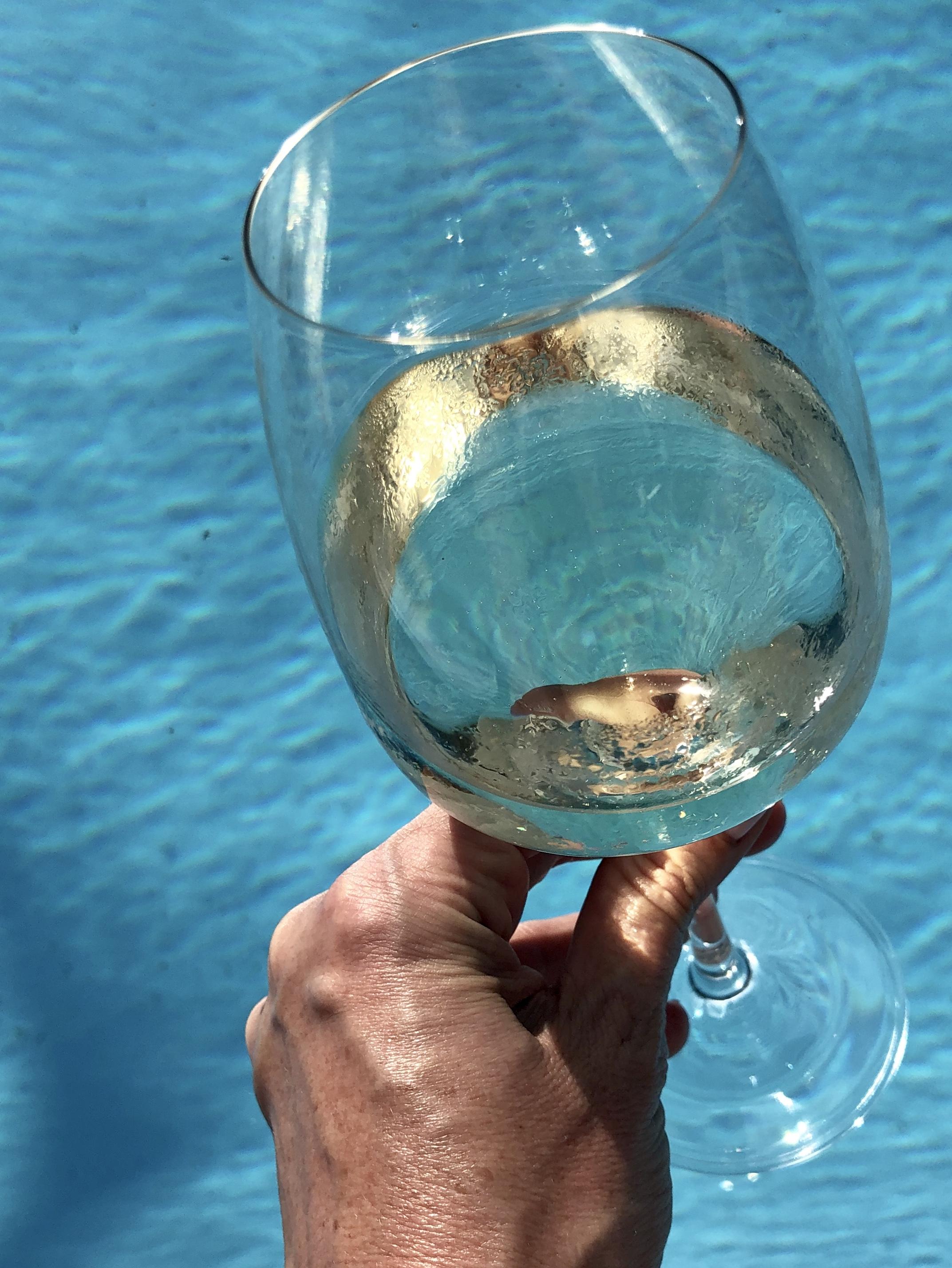 pool-wine-1.jpg
