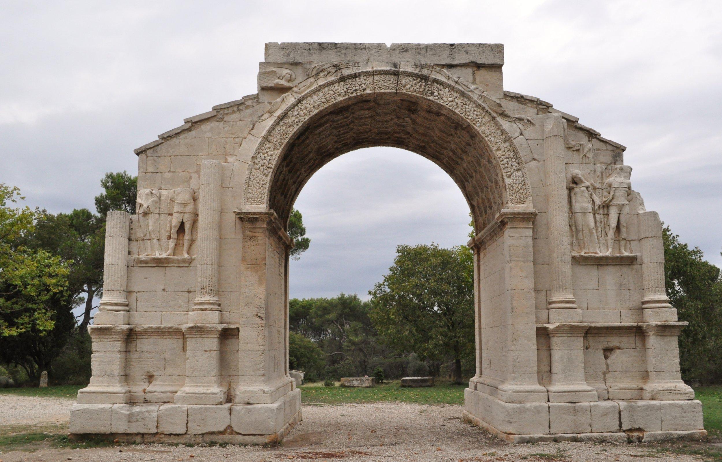Arc de Triomphe, Glanum