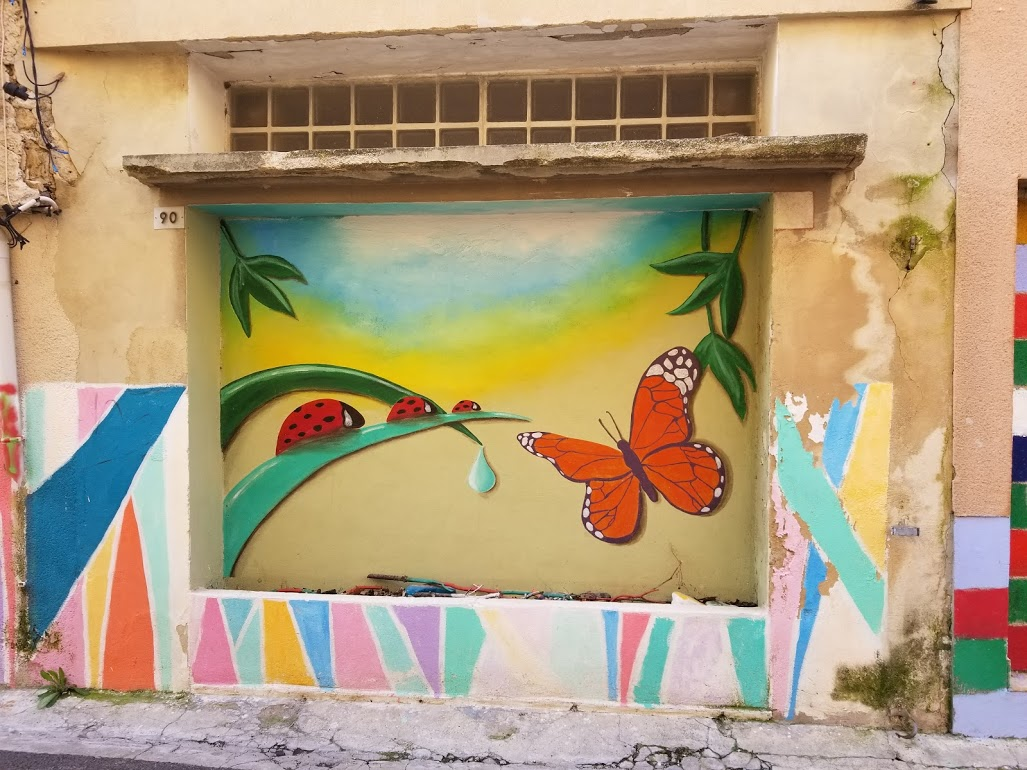 Street art on wall in Carpentras