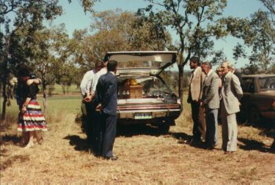 burial1.jpg