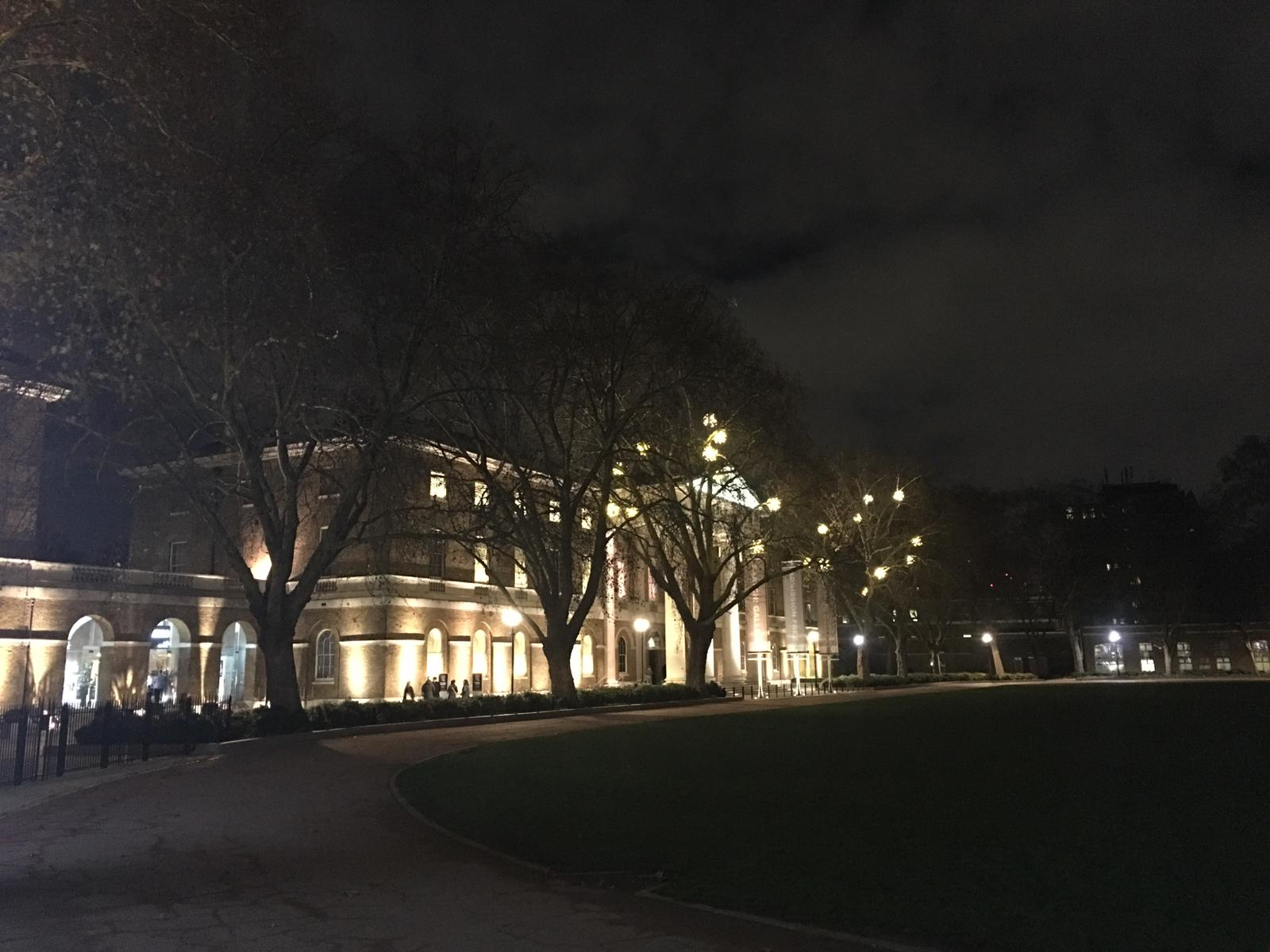 Saatchi Gallery by night