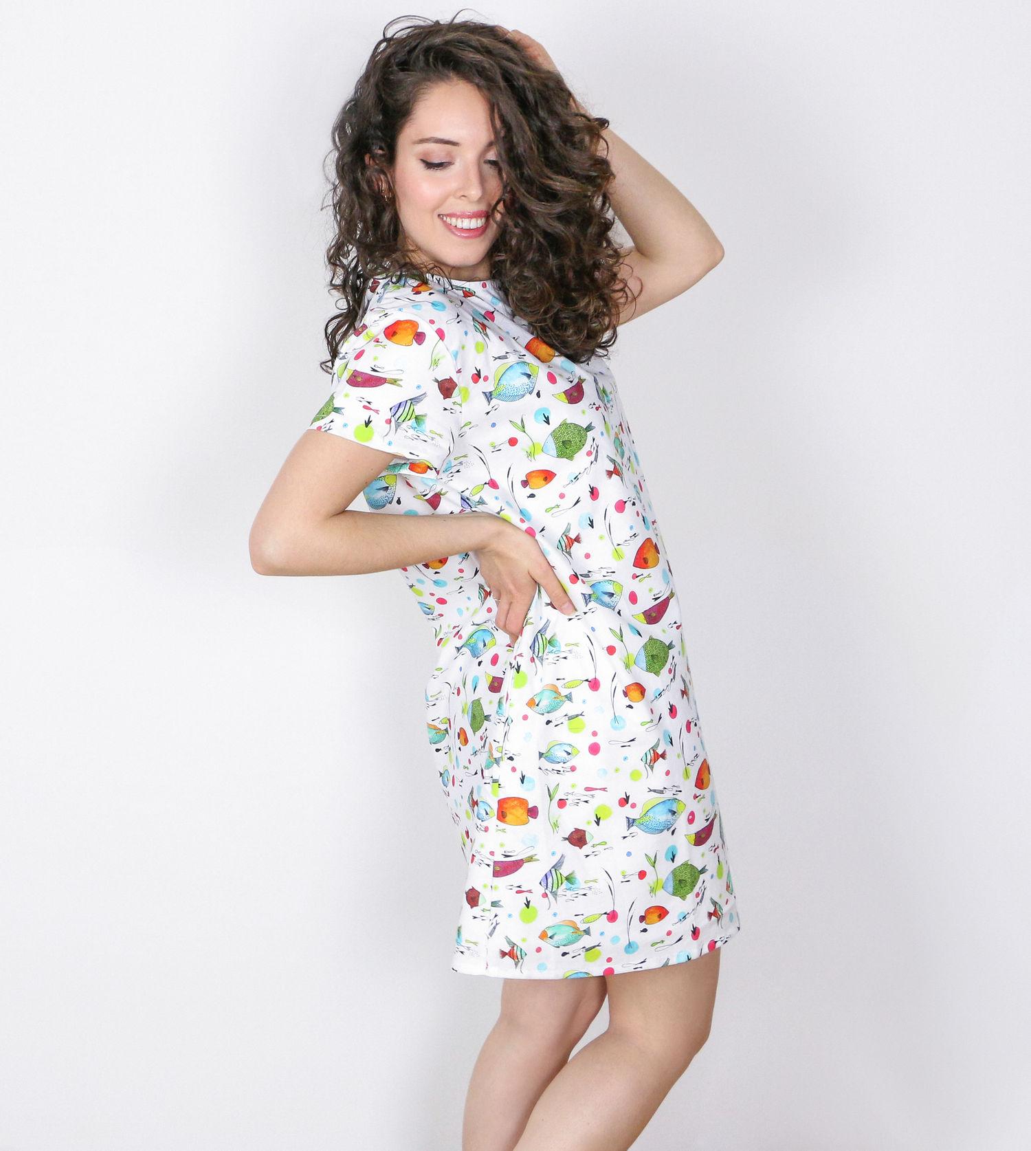 Vestido_peces_mujer_perfil.jpg