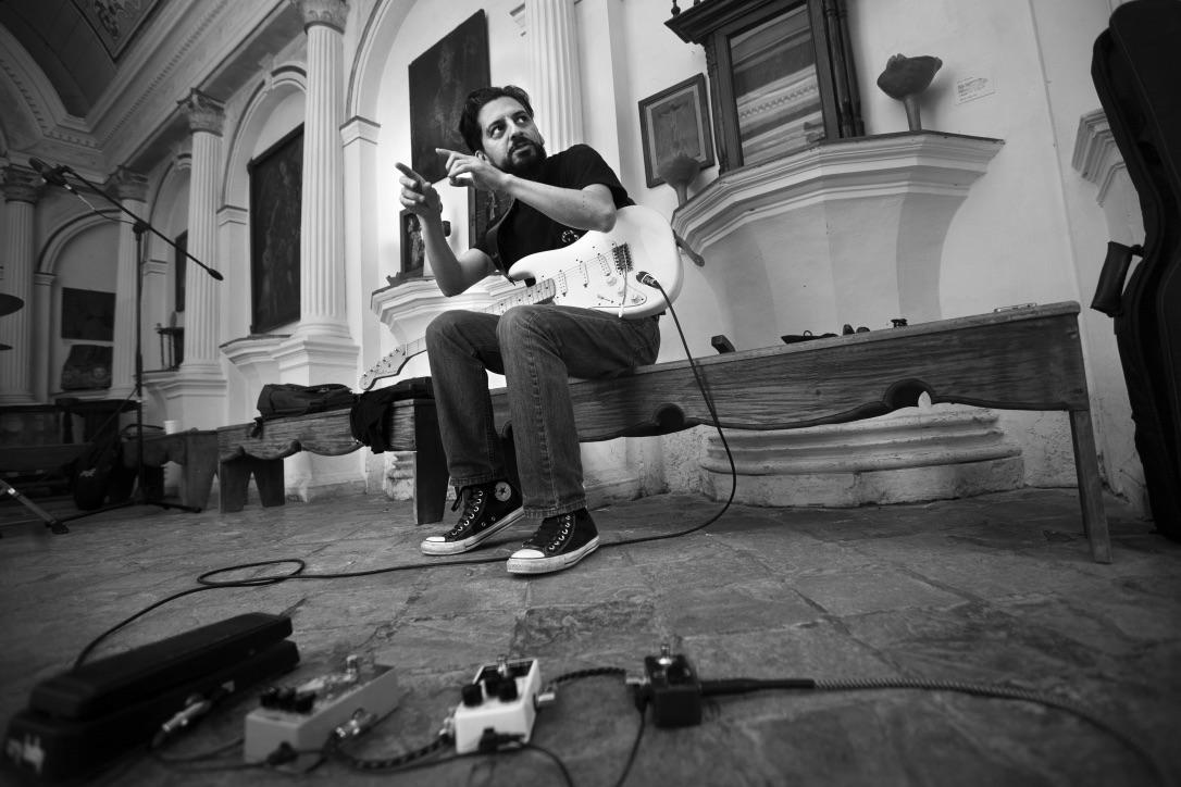 Julio Torres Photo by Efraín Ascencio