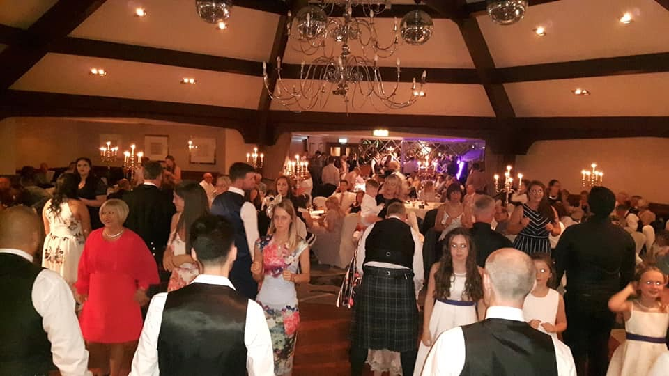35c23-jiggered-ceilidh-band-airth-castle-wedding.jpg