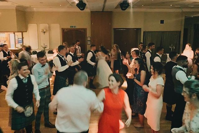 Spot the bride and groom... 🤵🏻👰🏻 .  Awesome evening spent playing at Rory and Laura's wedding, feat. @johnlegend for the first dance. Link to blog in bio. Back out for more tonight! 🙌🏼