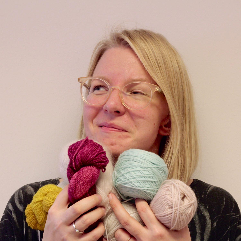 merja - Clothing artisan specialised in weaving and sewing.