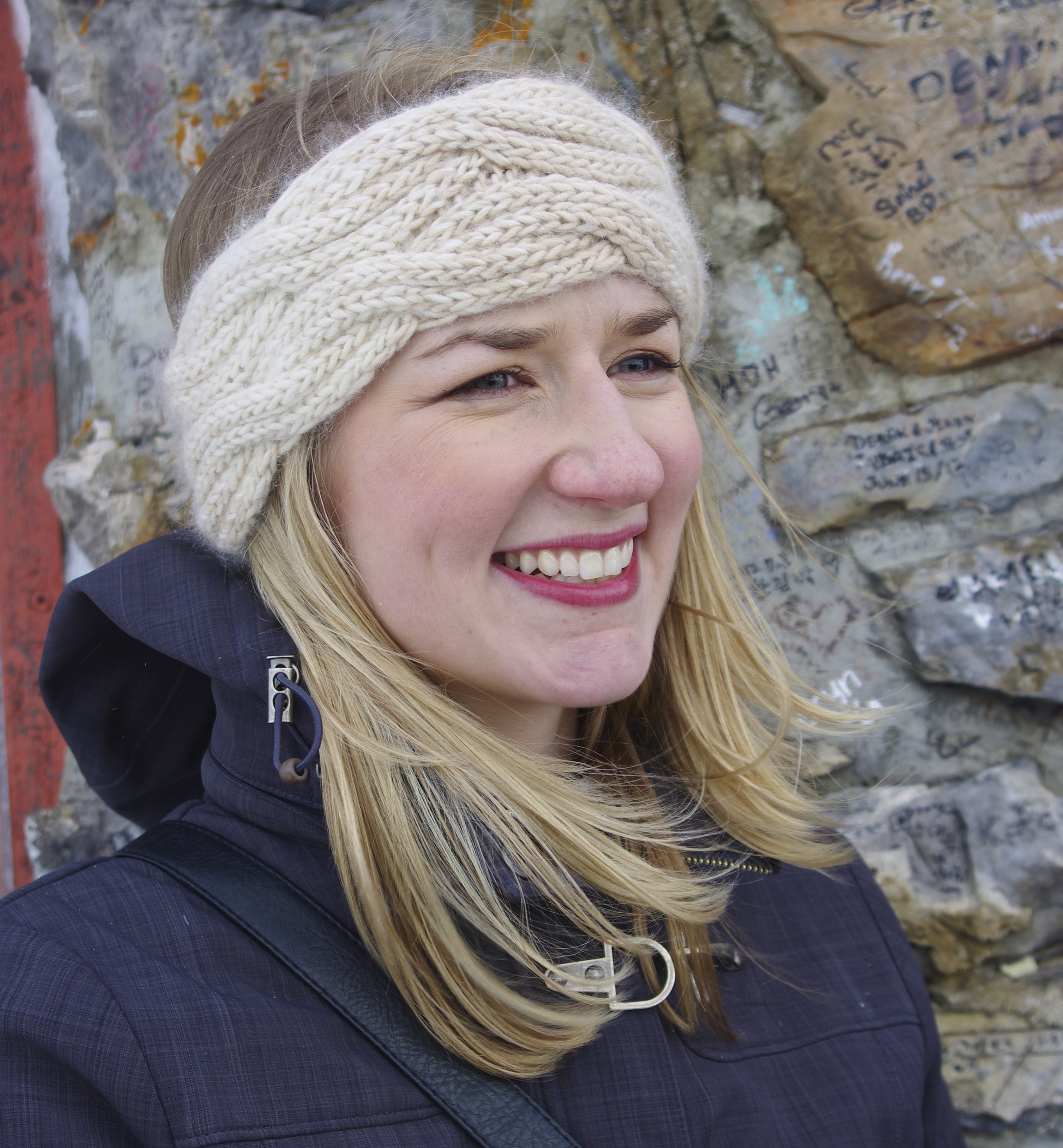 You will learn to knit reversible cables by using Fiona's pattern for this headband.