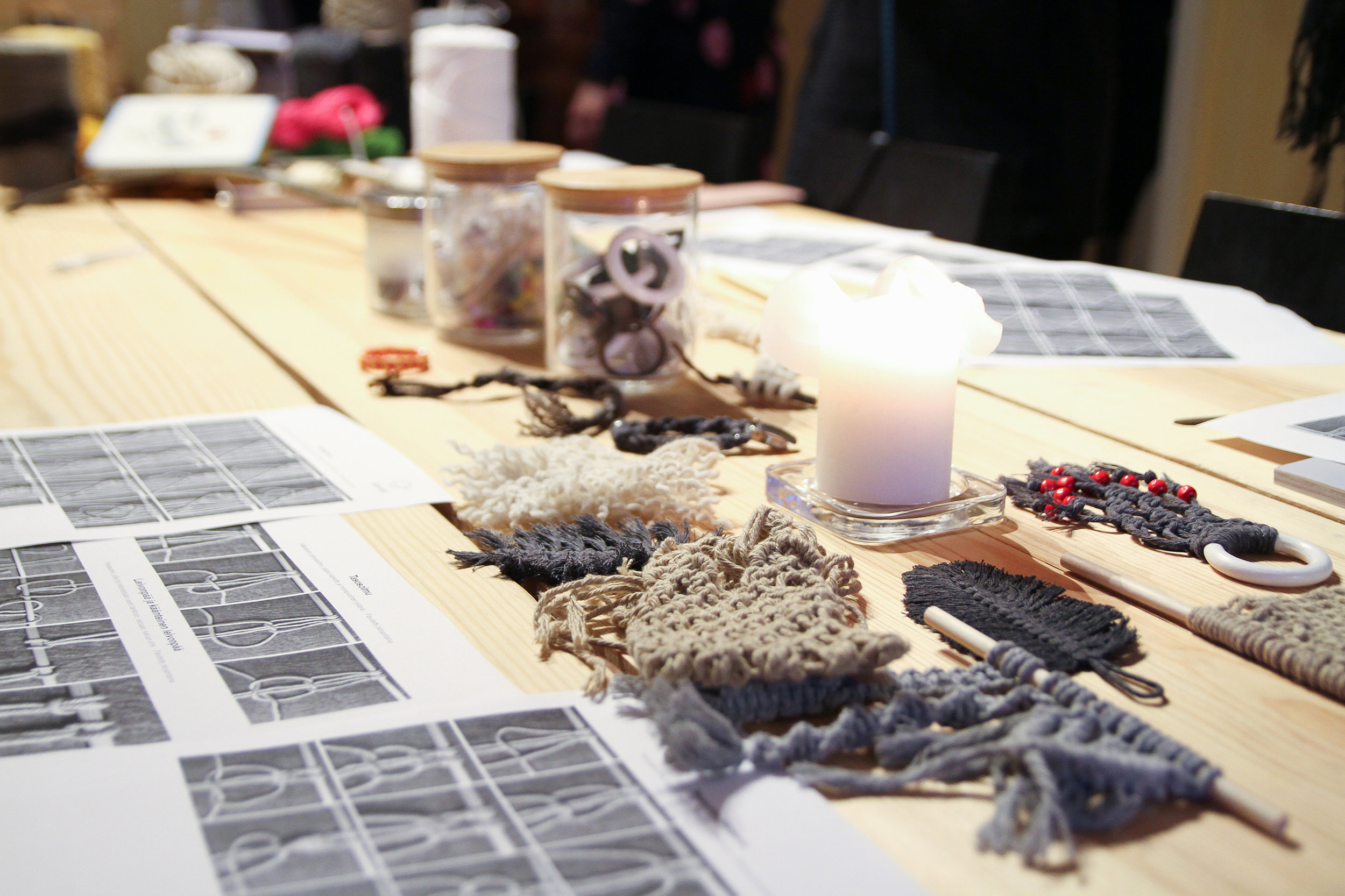 Samples of small macrame projects. Photo: Anni Laitinen.