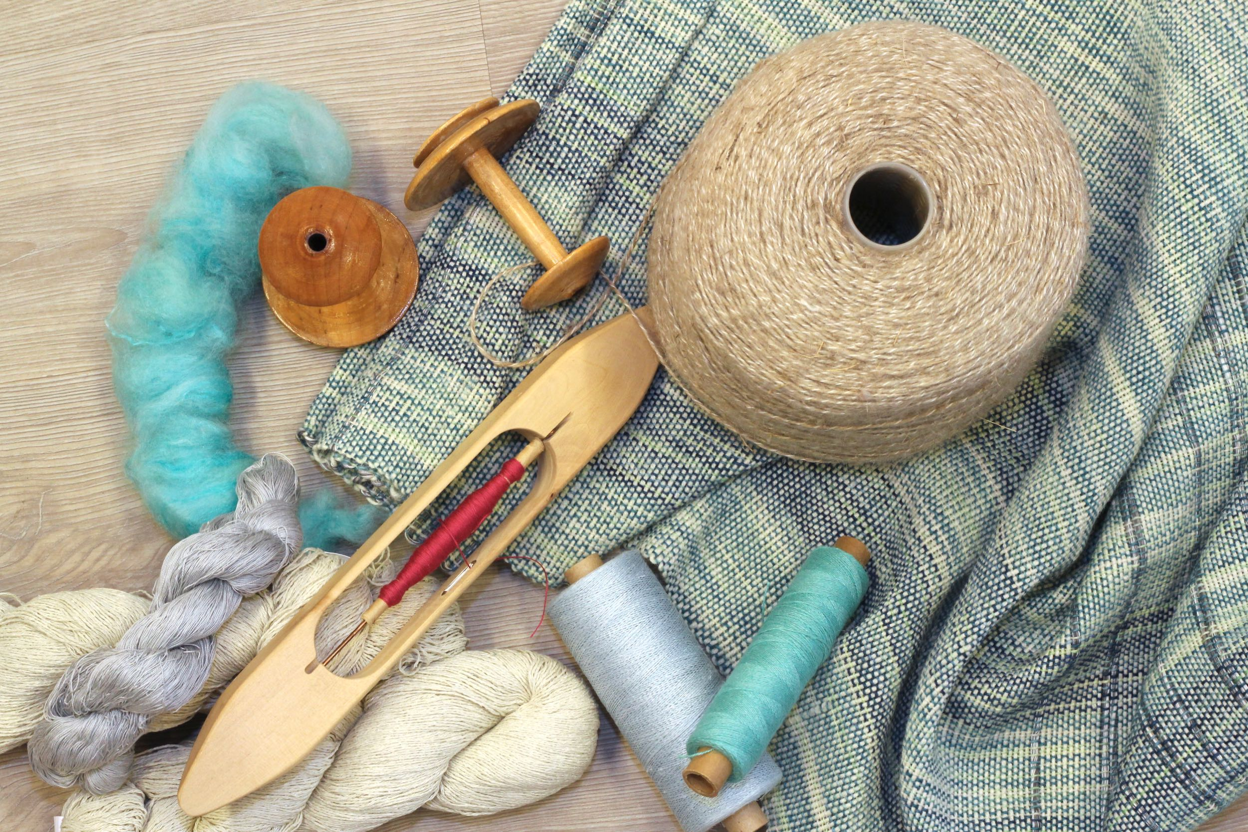 Immerse yourself in the world of weaving!