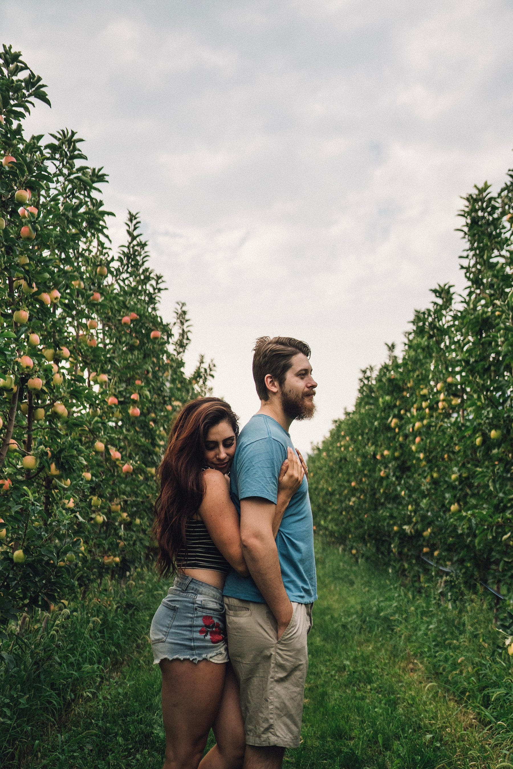apple orchard travel blogger