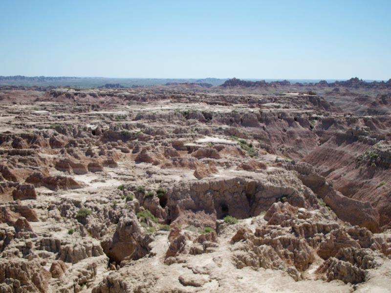 The Badlands National Park South Dakota | Earthtones Travel + Design Blog | Roo Bea Design Co