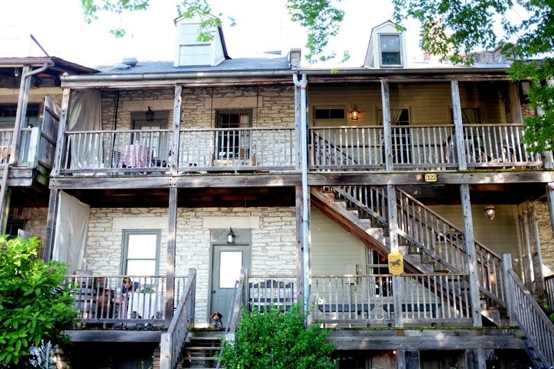 Boone's Colonial Inn - St. Charles   The Katy Trail   Earthtones Travel + Design Blog   Roo Bea Design Co.